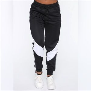 NWT Black and white sweatpants size Small